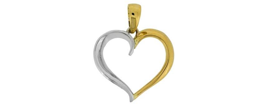 Se en del av vårt sortiment med halsband och guldsmycken i äkta guld 18 karat.
